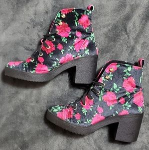 Betsey Johnson Floral Ankle High Boots 7 1/2